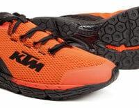 KTM-Casual-Herren-Schuhe und Socken